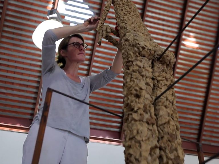 Val, a thought shaped into gesture