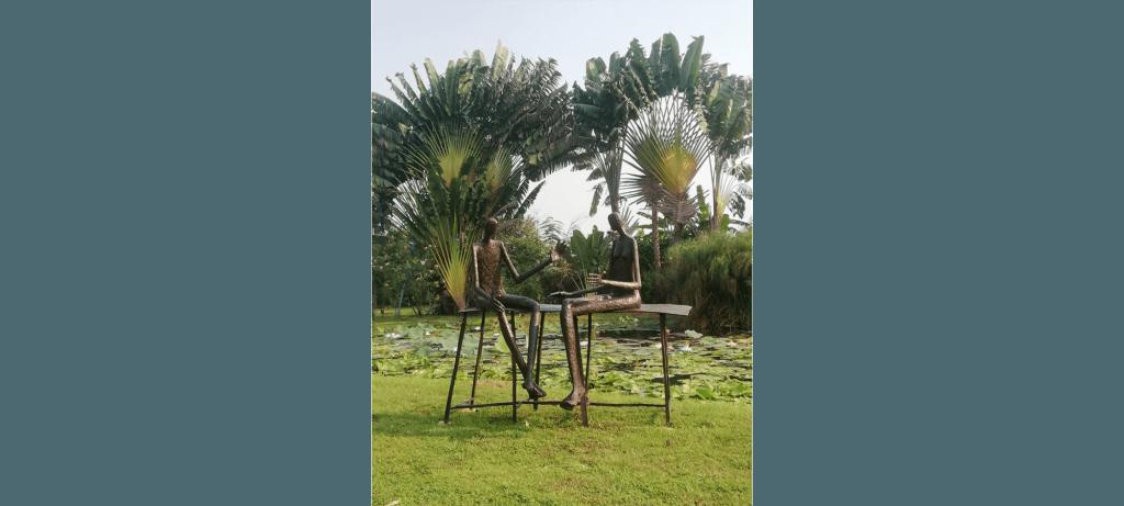 Conversation au parc II de la sculpteure française Val – Valérie Goutard – avec Sculptureval à Residence à Nakorn Nayok – Thaïlande