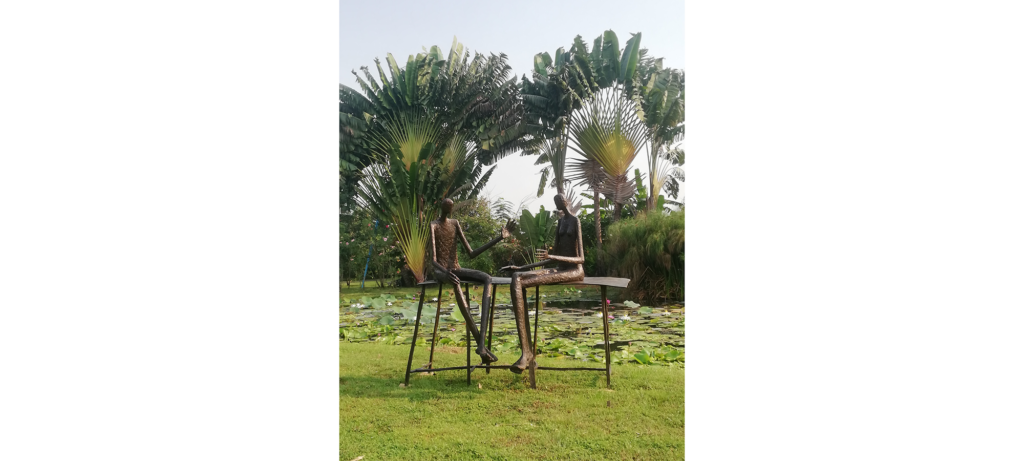 Conversation au parc II by French sculptor Val - Valérie Goutard - with Sculptureval in Nakorn Nayok - Thailand
