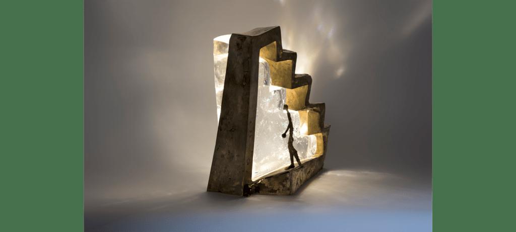 Illusion de la sculpteure française Val – Valérie Goutard – avec Sculptureval & les maîtres verriers Murano) – verre de Murano, bronze & lumière