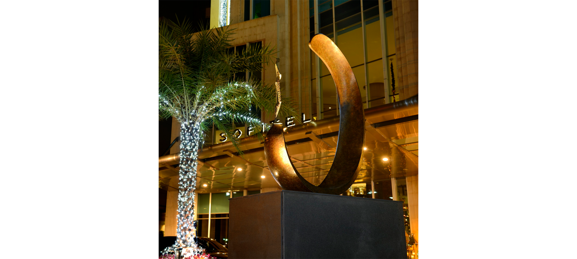 Inle balance III by French sculptor Val - Valérie Goutard - with Sculptureval at Sofitel Sukhumvit in Bangkok = Thailand