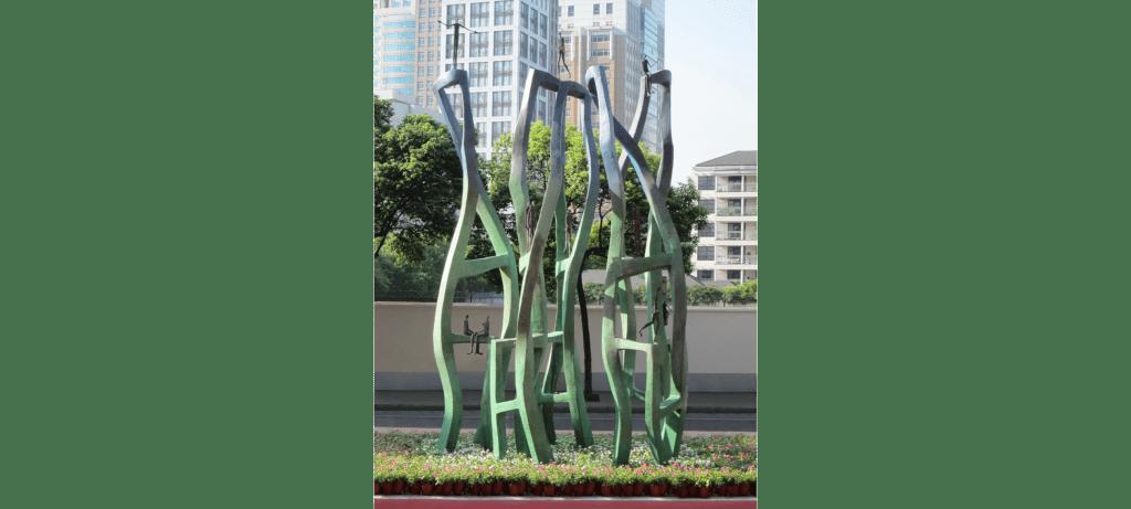 Urban life de la sculpteure française Val – Valérie Goutard – avec Sculptureval à Jing'An Sculpture Park Project à Shanghai – Chine