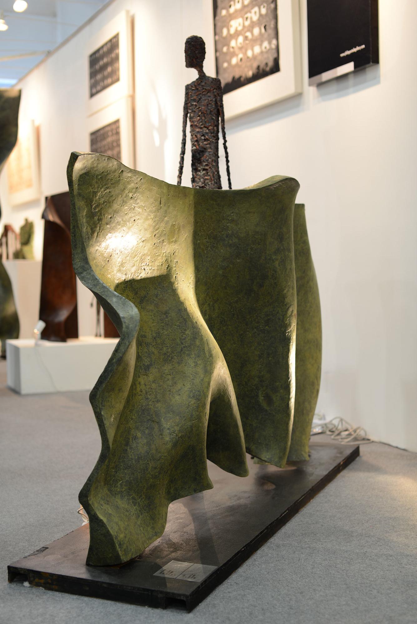 La sculpteure française Val - Valérie Goutard - avec Philippe Staib Gallery à Shanghai Art Fair avec Sculptureval