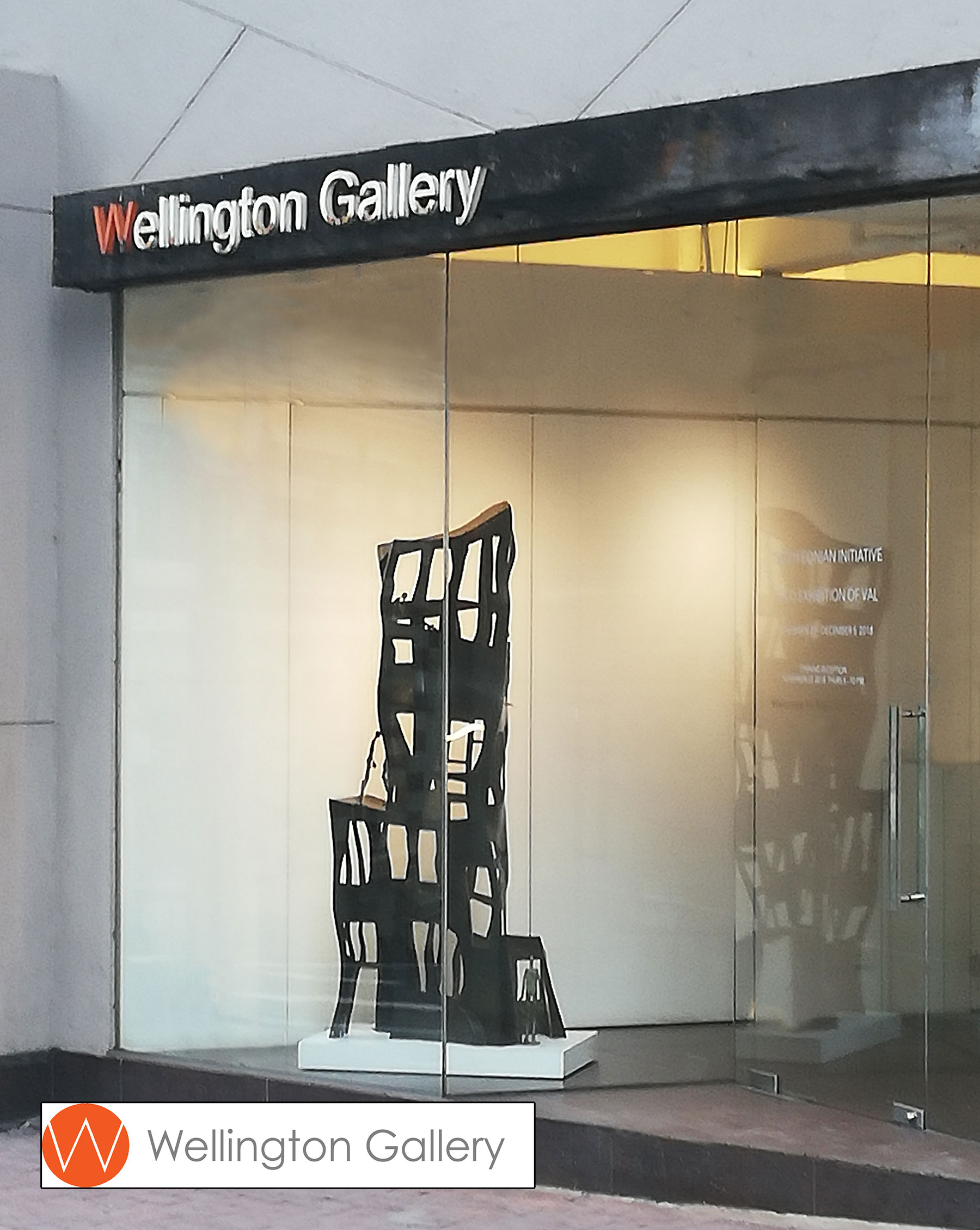 French sculptor Val - Valérie Goutard - with Wellington Gallery with Sculptureval