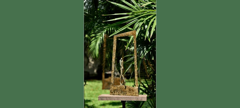 Tango de la sculpteure française Val – Valérie Goutard – avec Sculptureval