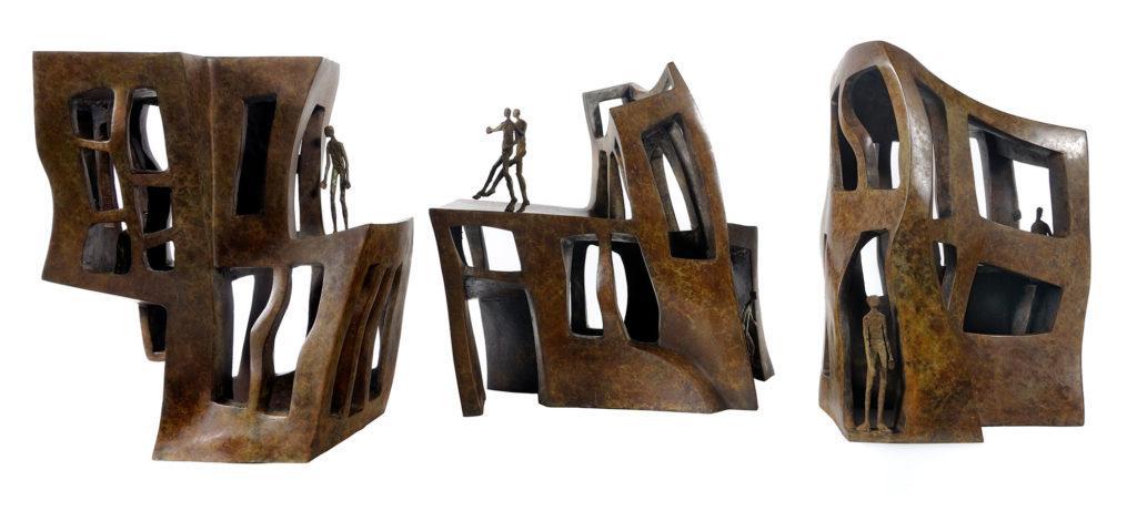 Ville fantastique de la sculpteure française Val – Valérie Goutard – avec Sculptureval