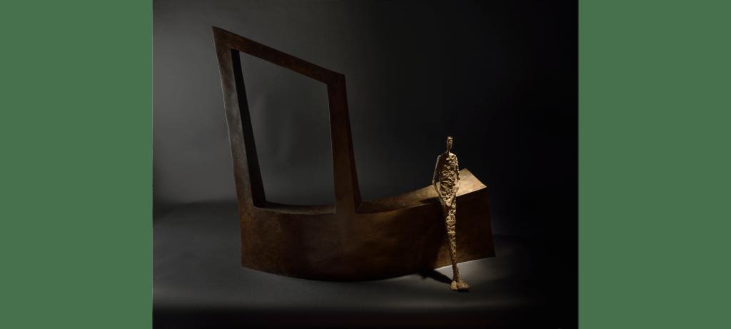 Waiting II de la sculpteure française Val – Valérie Goutard – avec Sculptureval