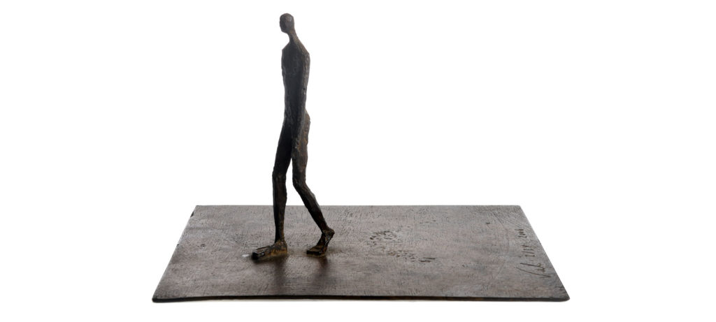 Walking on plate by French sculptor Val - Valérie Goutard - with Sculptureval