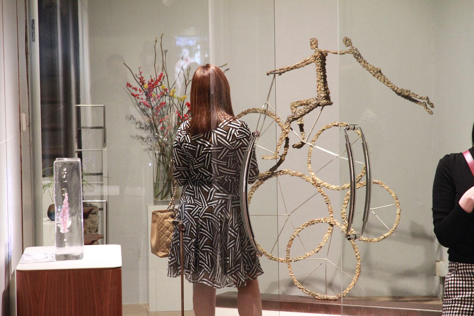 La sculpteure française Val - Valérie Goutard - avec Wellington Gallery avec Sculptureval
